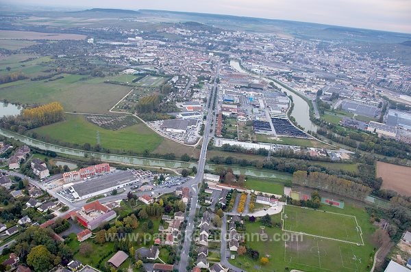Dizy France  City pictures : Dizy Epernay, canal lateral, Marne 51 , France FMV267