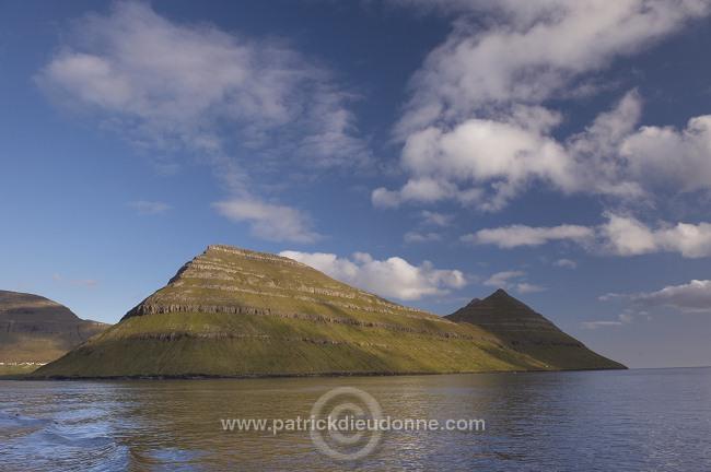 Klakkur,_Bordoy_island,_Faroe_islands___Klakkur,_iles_Feroe___FER748