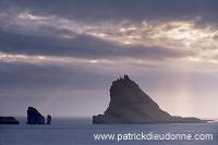 Tindholmur,_Vagar,_Faroe_islands___Tindholmur,_iles_Feroe___FER631