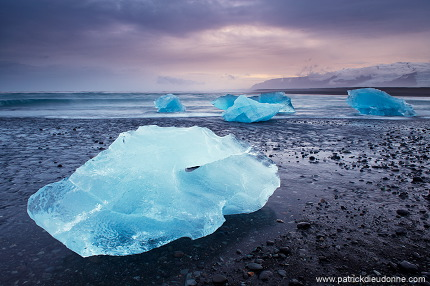 Icebergs on beach, Jökulsarlon